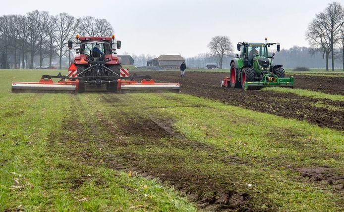Achterhoekse boeren werken aan manieren om het gebruik van het verdelgingsmiddel glyfosaat zoveel mogelijk terug te dringen.