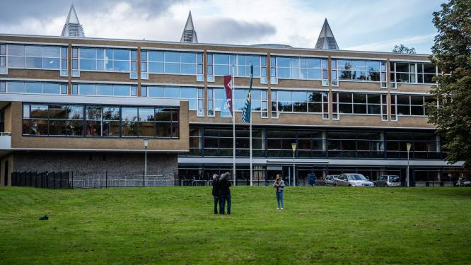 Dag na steekpartij is de ontzetting groot bij leerlingen van Arnhemse school: 'Je wilt toch weten: is iedereen oké?'