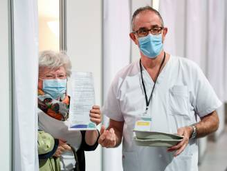 LIVE. Ibuprofen verergert coronabesmetting niet - Twee miljoen Vlamingen geprikt
