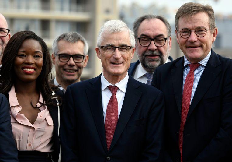 Van links naar rechts op de eerste rij de Europarlementsleden van N-VA: Assita Kanko, Geert Bourgeois en Johan Van Overtveldt. Beeld Photo News