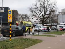 Fietser geschept door auto op beruchte fietsoversteek in Barneveld