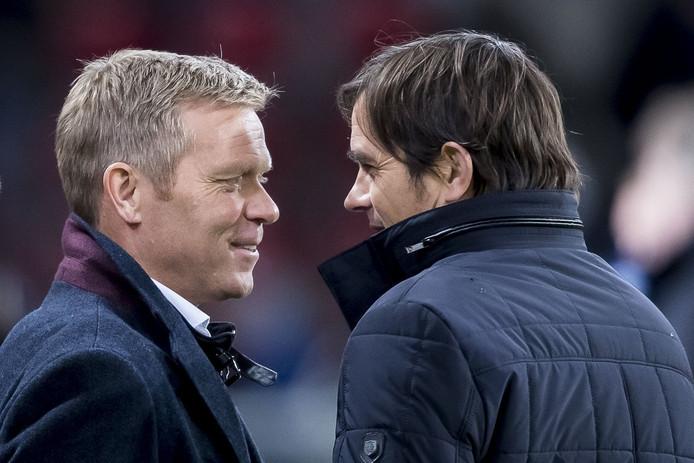 PSV-trainer Phillip Cocu met Foeke Booy voor het duel met Go Ahead Eagles.