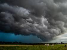 Vooral wateroverlast in Papendrecht en Sliedrecht door onweer: 'Kelders en straten volgelopen'