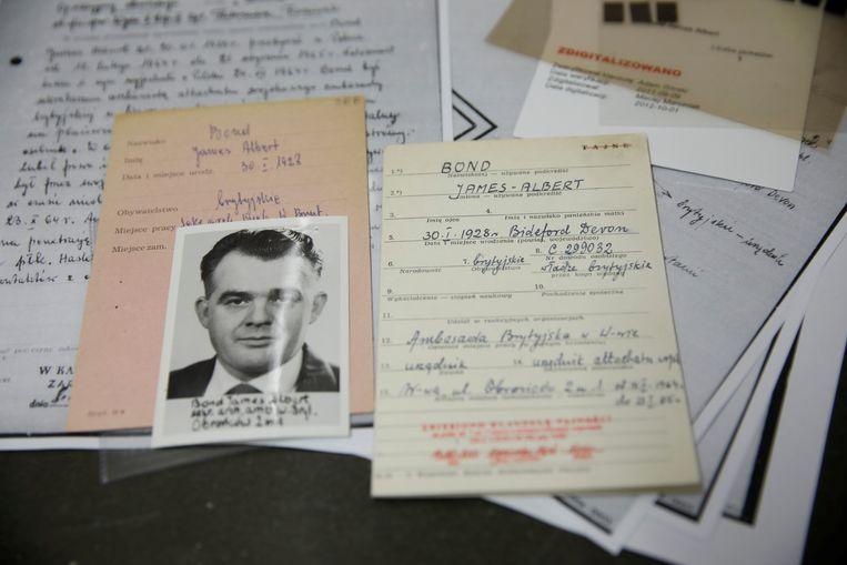 De documenten van James Albert Bond, die Brits agent geweest zou zijn.  Beeld REUTERS