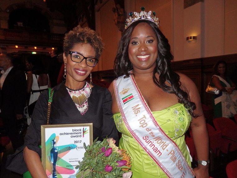 Genomineerde in de categorie mensenrechten/politiek Sylvana Simons en Illanga Bel, de Surinaamse Miss Plus Size 2017 Beeld Schuim