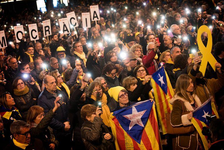 De Catalaanse partijen zijn verbolgen over de weigering van premier Sánchez om nieuwe besprekingen te beginnen over zelfstandigheid van de regio. Beeld AP