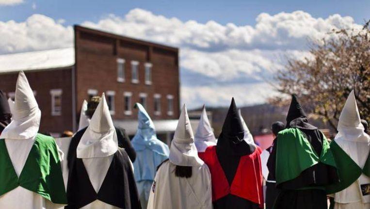 Ku Klux Klan-bijeenkomst in de staat Virginia. David Duke, oud-leider van de KKK, was de oprichter van EURO. Beeld EPA