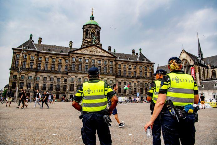 Politieagenten hebben veel moeite met het vinden van een woning in de stad.