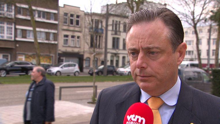 Bart De Wever sprak zich zaterdag op VTM openlijk uit  voor een noodregering. Beeld Printscreen video VTM Nieuws