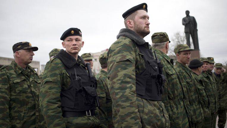 Zelfverdedigingstroepen op de Krim. Beeld ap