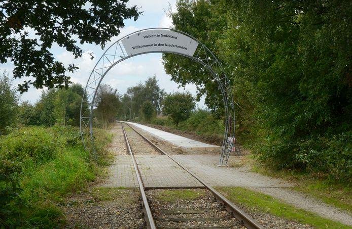 Het spoortje slaapt sinds 1991. Hier de grensovergang tussen Groesbeek en Kranenburg.