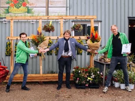 Jeroen en Leon zijn Hoeksche ondernemershelden: 'Zijn al blij als we bloemetje van 15 euro verkopen'