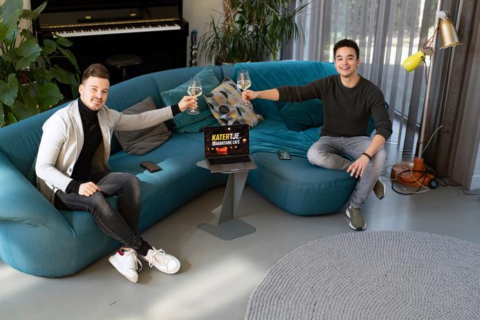 Marlon Bonink en Miquel Essed (22) van het online KATERTJE Quarantaine Café.