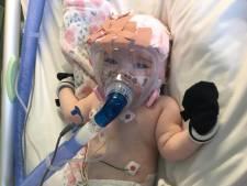 Baby met hartafwijking heeft corona: 'Blijf thuis, doe het voor onze Erin'