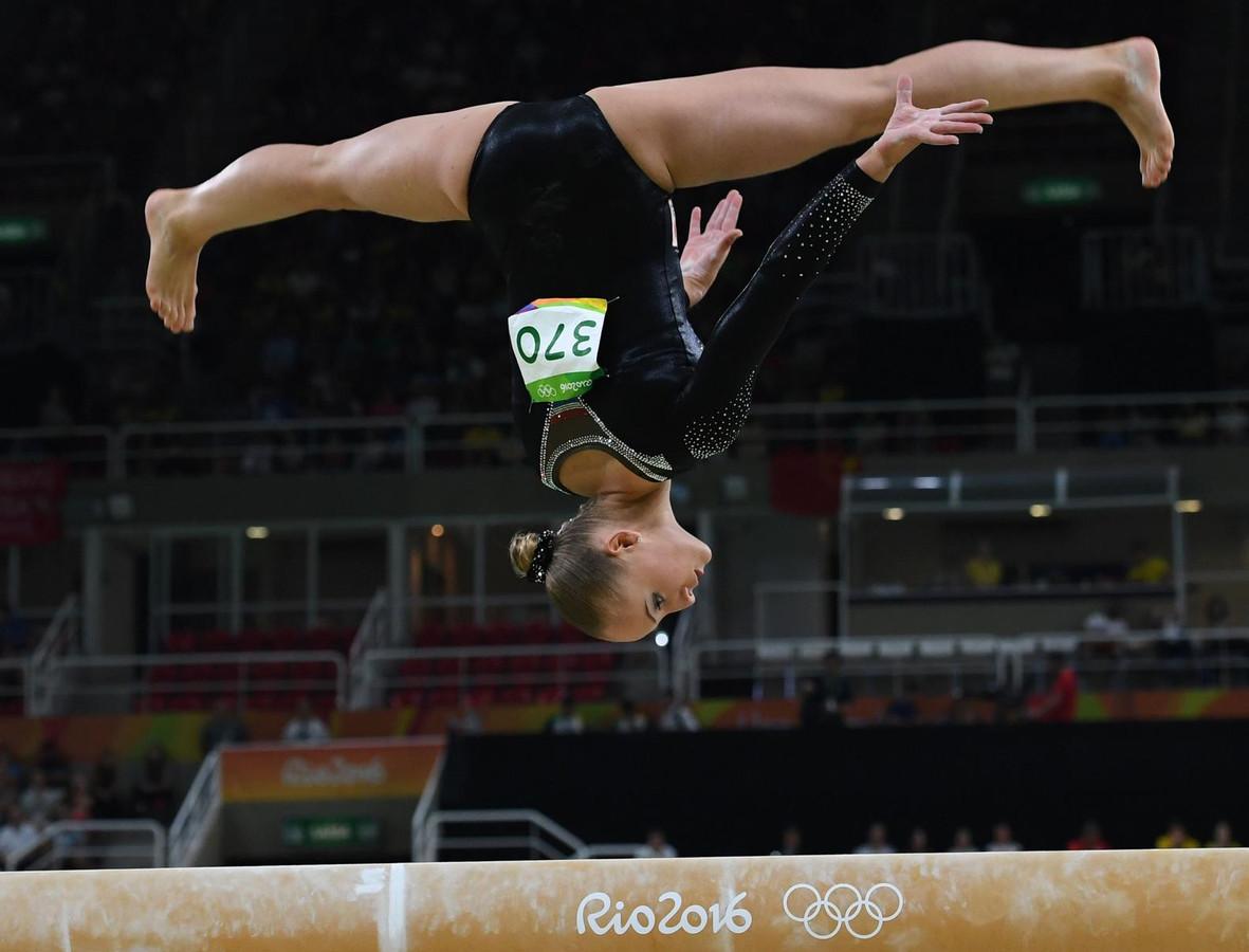 Sanne Wevers tijdens haar gouden oefening.