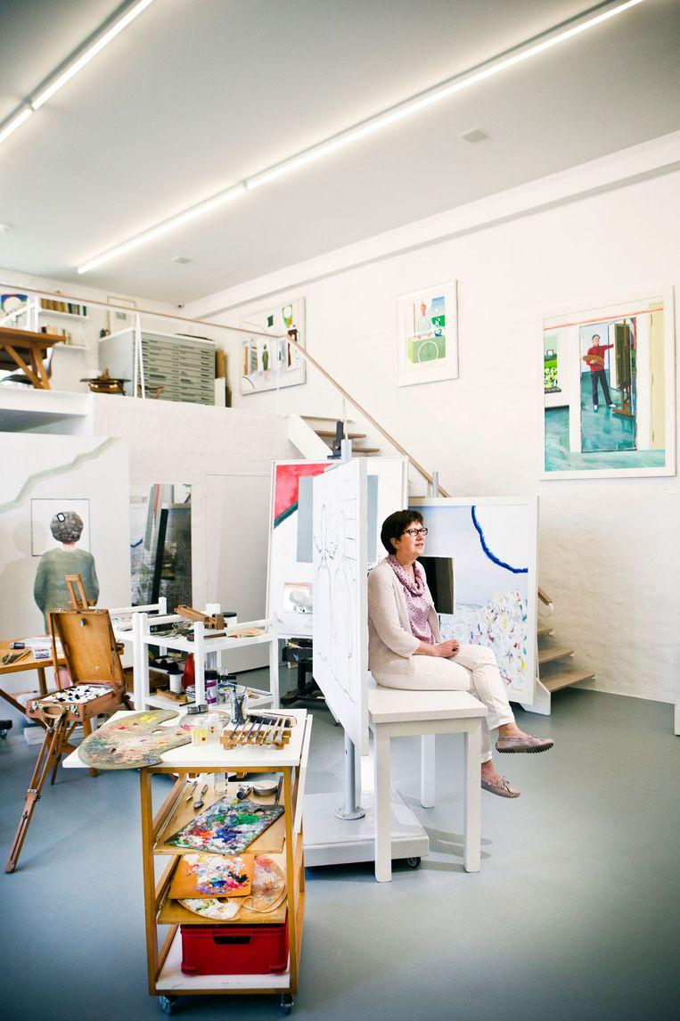 Marleen Raveel-De Muer in het atelier van haar man.. Beeld Jonas Lampens