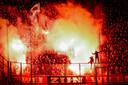 Willem II-fans zorgen voor sfeer tijdens de uitwedstrijd bij PSV, in november 2019.