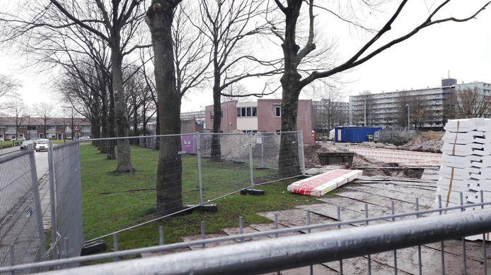 De bouw aan de moskee ligt stil.