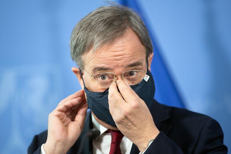 Kanselierskandidaat Armin Laschet tijdens een persconferentie. Beeld Federico Gambarini/dpa-Pool/dpa