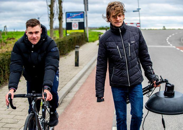 Thijs Zonneveld op bezoek bij Fabio Jakobsen.