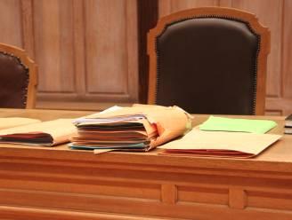 Voorwaardelijke celstraf en effectieve boete voor vader na klappen aan 13-jarige dochter en zoon
