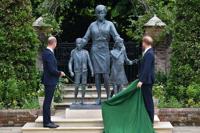 Onthulling standbeeld Diana Beeld BrunoPress