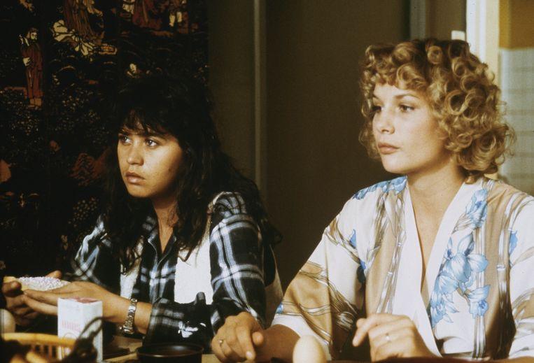 Maria Schneider en Monique van deVen in Een vrouw als Eva (1979). Beeld ANP