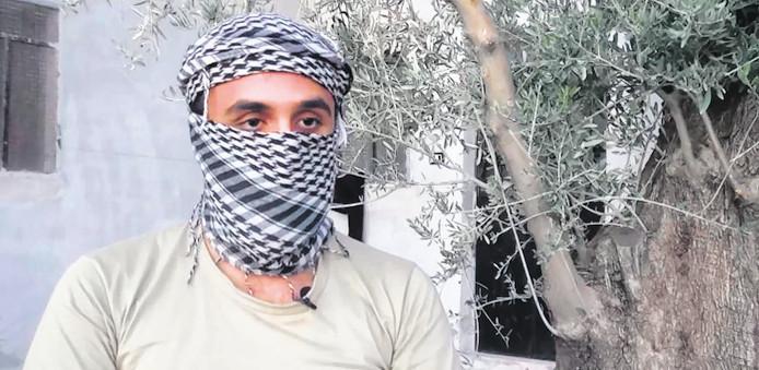 Reda N.(24) uit Leiden, toen hij nog in Syrië was en een interview gaf aan de BBC.