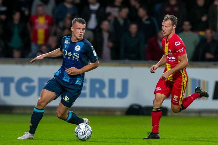 Vito van Crooij (l).   during the match Go Ahead Eagles - Sparta