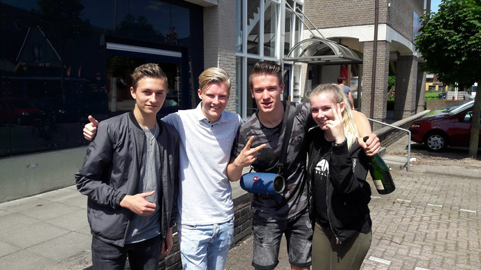 Chris Dasselaar (links), Pepijn Bos, Lars Reekers en Romy Companjen.