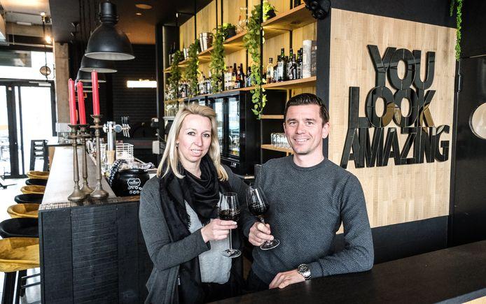 Wendy Vandendriessche en Jurgen Steelandt  openen zaterdag Úmëa.
