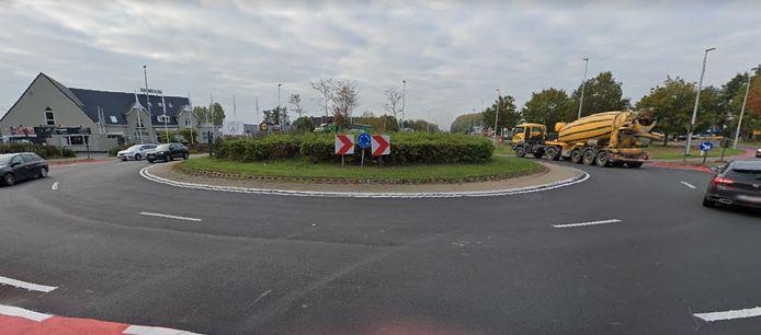 De bestuurster van een step raakte lichtgewond aan de rotonde op de N60 in Nazareth.
