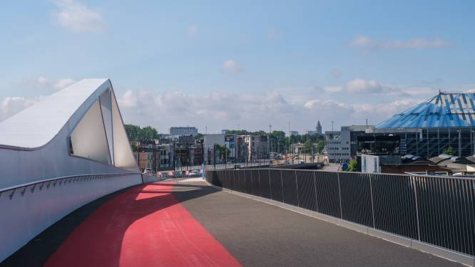 Nieuwe Theunisbrug over Albertkanaal weer open voor verkeer