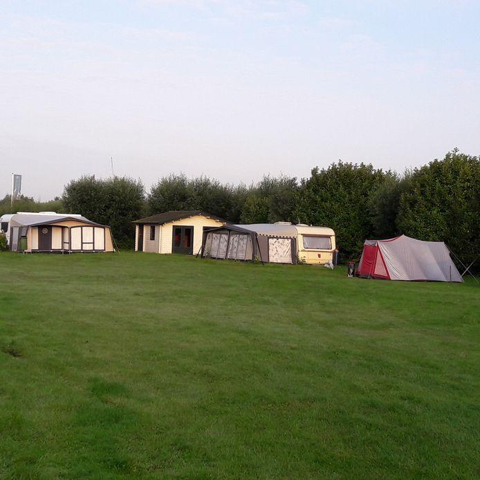 Camping Waterweelde heeft in de zomer ook nog altijd kampeerders (foto 2017).