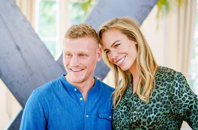 Kaj Gorgels en Nicolette Kluijver, presentatoren van Expeditie Robinson
