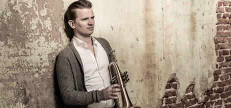 Teus Nobel biedt muzikale troost in een tijd van afstand