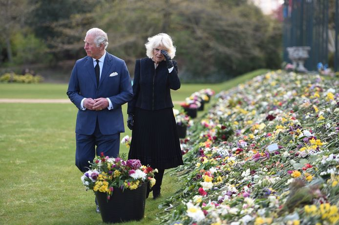 Charles en Camilla ontroerd door vele steunbetuigingen van het volk