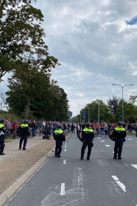 Eén arrestatie na verhitte IJsselderby, PEC-spelers in mineur terug in Zwolle