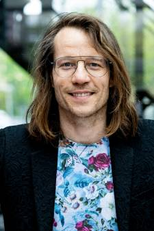NPO neemt ook radio-programmering op de schop: Giel Beelen mogelijk naar de avond