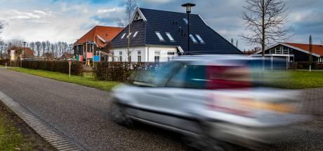 Het scheuren en sluipen in Raalte moet afgelopen zijn: 'Er fietsen hier dagelijks kinderen'