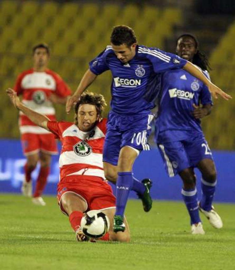 Miralem Sulejmani in het Uefa Cup-duel tegen FK Borac. Beeld UNKNOWN