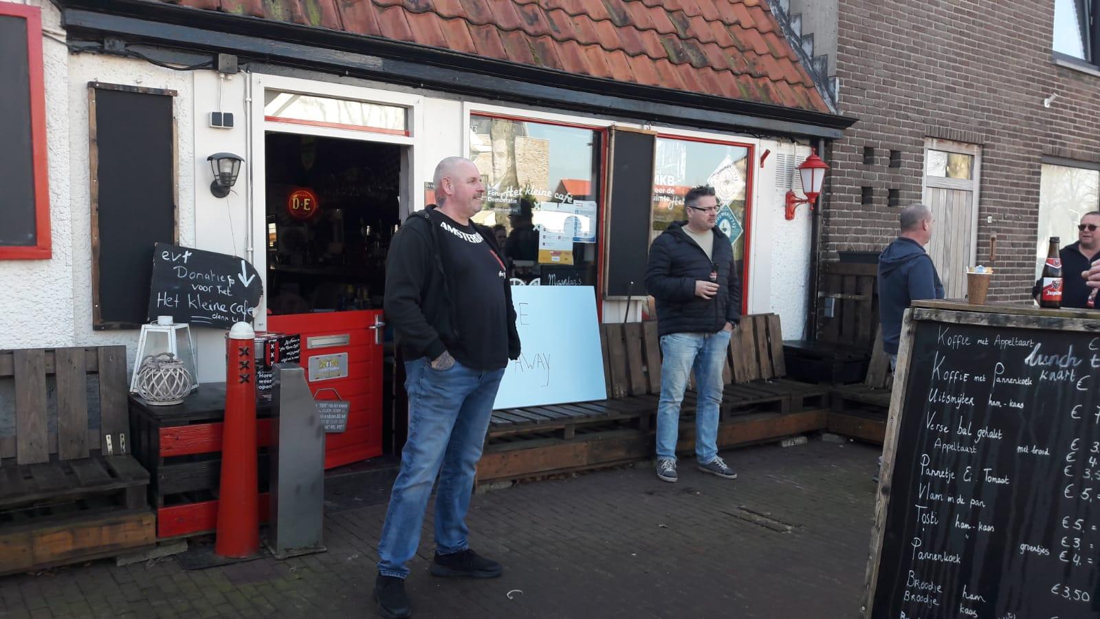 Marco IJben is tevreden met de actie voor zijn cafe.