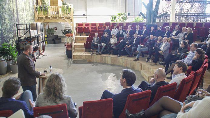 013 Business Tour wil het lokale bedrijfsleven en studenten met elkaar verbinden.