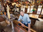 Veel klanten van Eindhovens café De Gouden Bal zitten nu alleen thuis