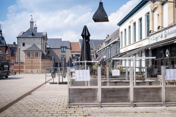 In totaal hebben ongeveer veertig Lierse horecazaken de mogelijkheid gekregen om hun terras tijdelijk te vergroten.