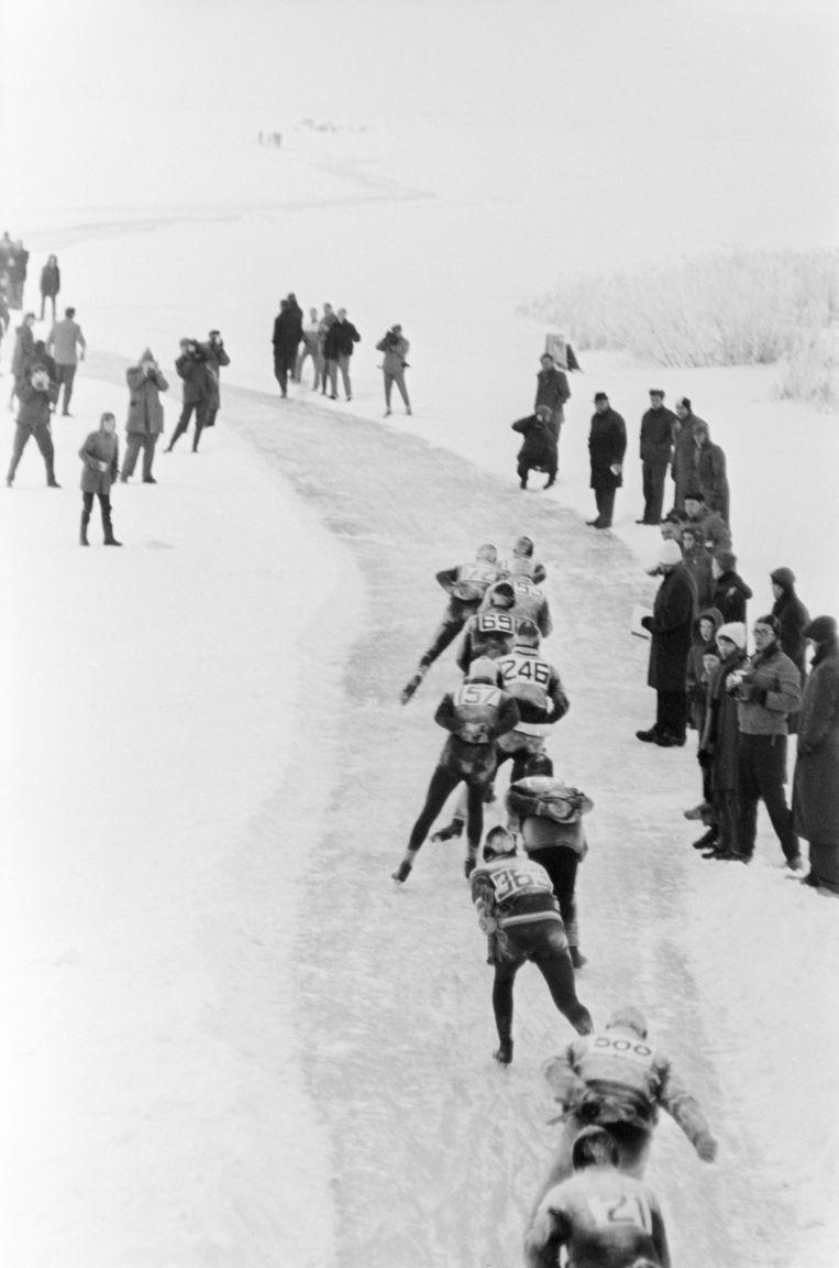 De Elfstedentocht van 1963. Beeld ANP