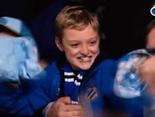 Jonge Club-supporter krijgt truitje van Ruud Vormer en gaat helemaal uit z'n dak