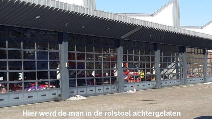 De politie onderzoekt nog door wie de man daar is neergezet en hoe hij in Rijswijk is terecht gekomen.
