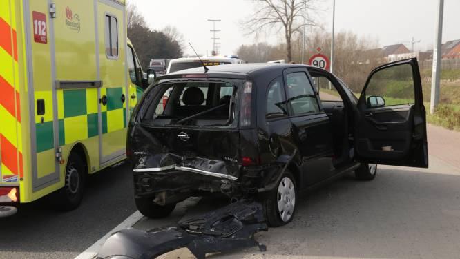 Twee bestuurders gewond bij kop-staartaanrijding op N16