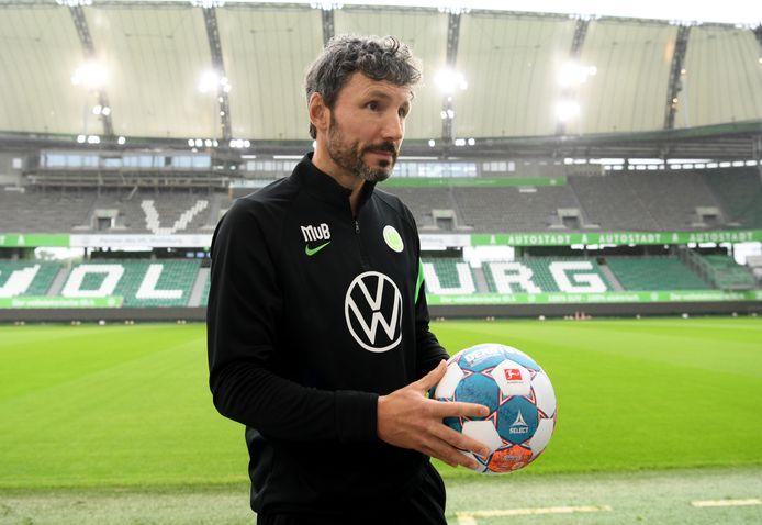 Mark Van Bommel werd vorige maand gepresenteerd als trainer van VfL Wolfsburg.